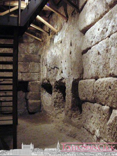 The Cave of Hercules and the books about Toledo