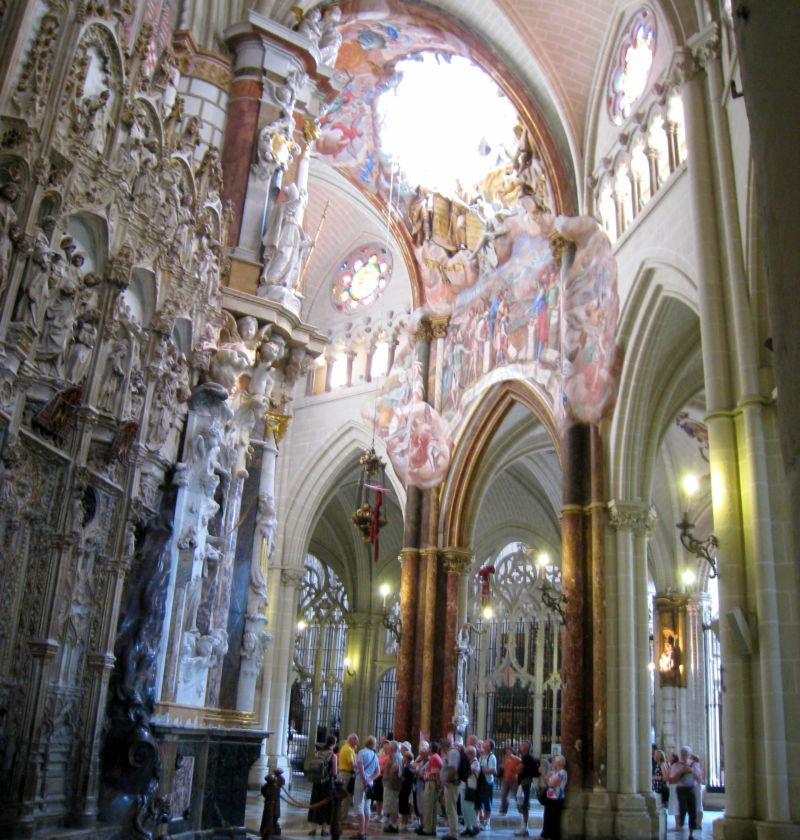 The interior of Toledo Cathedral, as never before recorded: with a Drone