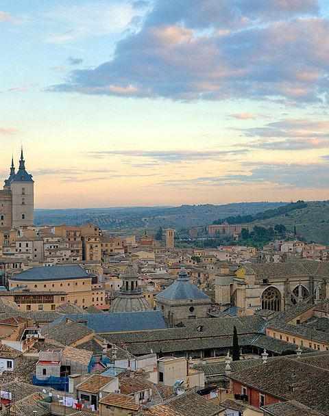 The largest panoramic photograph of Toledo will be taken this Sunday